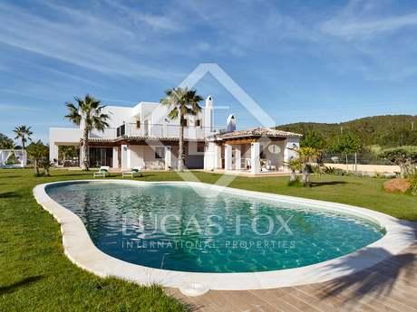 Villa en venta entre San Rafael y San Antonio, Ibiza