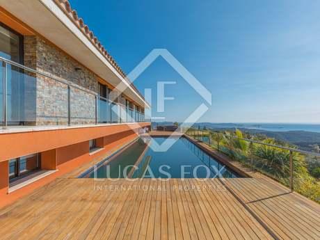 Дом / Вилла 800m² , 1,000m² Сад на продажу в Плайя де Аро