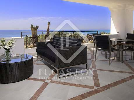 Luxury 1-bedroom beachfront apartments for sale in Estepona
