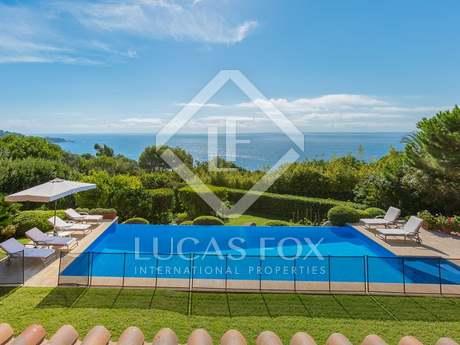 Villa de lujo con vistas al mar en venta en la Costa Brava