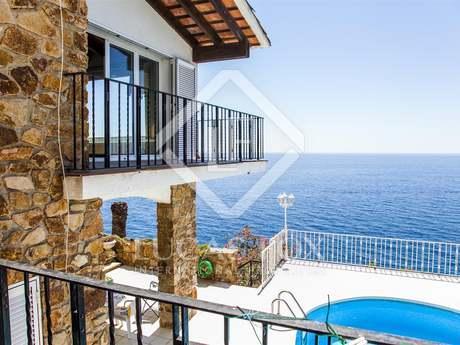 Waterfront property for sale in Lloret de Mar