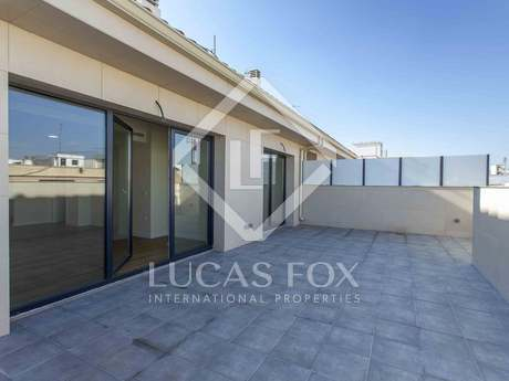 144m² apartment with 35m² terrace for rent in Extramurs