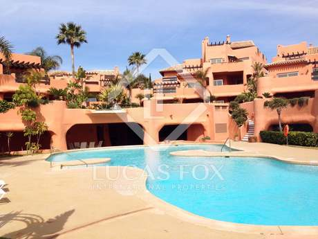 Piso de 279m² con 46m² terraza en venta en Este Marbella