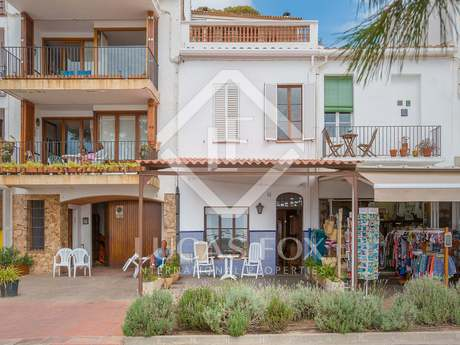 4-bedroom house to buy and renovate on Llafranc seafront