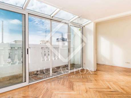 140m² penthouse for sale in Jerónimos, Madrid