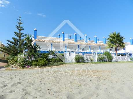 3 bedroom first line beach townhouse for sale, Estepona