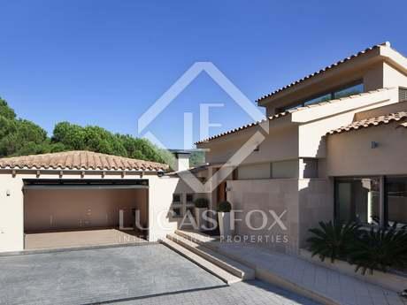 Mediterranean style villa for sale on the Maresme Coast