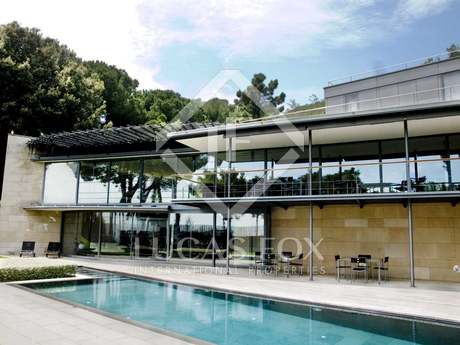 Exquisite renovated house for sale in Pedralbes with views