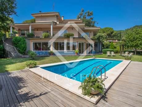 Casa / Vil·la de 415m² en venda a Argentona, Maresme
