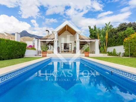 Villa de 6 dormitorios a la venta en la Milla de Oro, Marbella