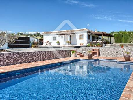 Fully renovated villa for sale close to Estepona