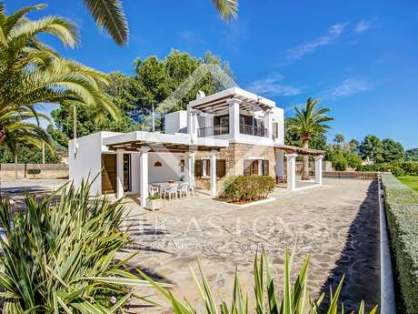 Large country house to buy in Ibiza, 5 minutes from San Juan
