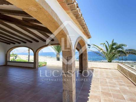 Villa for sale on the seafront in Jávea, Costa Blanca