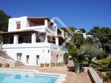 Villa de 5 dormitorios con piscina en alquiler en Can Furnet