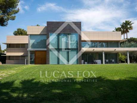 Luxury villa for sale in Godella, Valencia