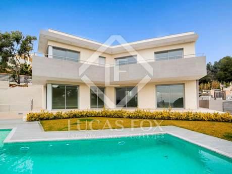 Costa Brava property for sale in La Montgoda urbanisation