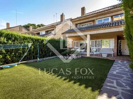 392m² Hus/Villa med 100m² Trädgård till salu i Godella / Rocafort