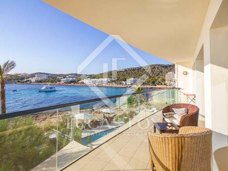 Front line apartment for sale in Ibiza with great sea views