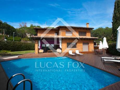 Large 4-bedroom house for sale near Vilassar de Dalt