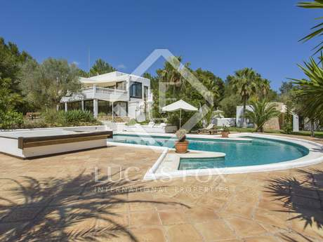 Renovated country house for sale in Santa Eulalia, Ibiza