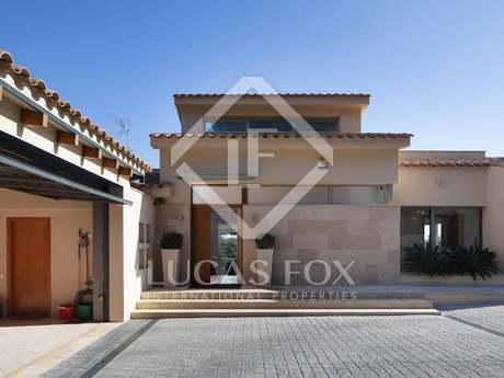 Villa de estilo mediterráneo en venta, costa del Maresme