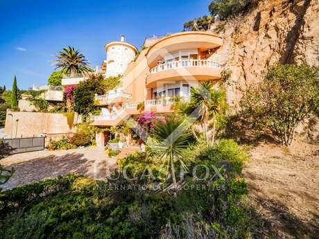 Seafront Costa Brava villa for sale in Lloret de Mar