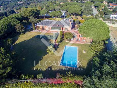 Villa for sale in St Vicenç de Montalt on the Maresme Coast