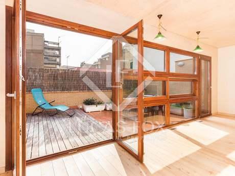 Chalet amueblado de 3 dormitorios con terraza y párquing en alquiler en Gràcia