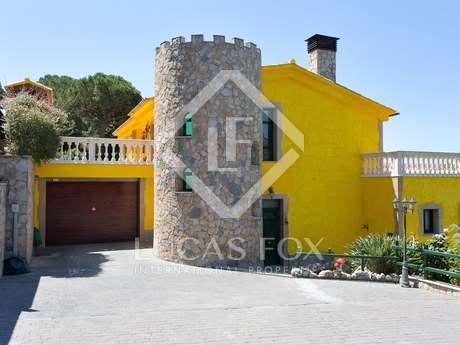 Luxury villa to buy in Cabrils, Maresme Coast