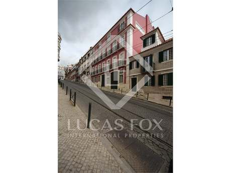 Renovated 2 bedroom apartment for sale in Lapa, Lisbon
