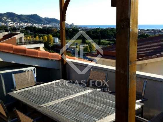 Tico d plex en venta en sitges for Piscina jardin 727