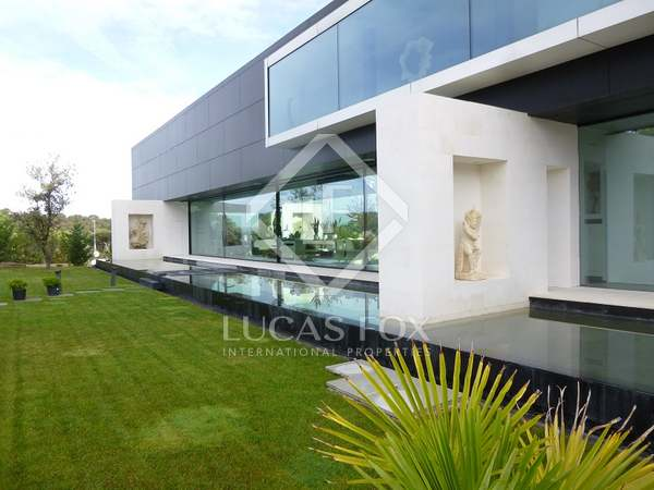 Luxury 6-bedroom villa for sale in Ciudalcampo, Madrid
