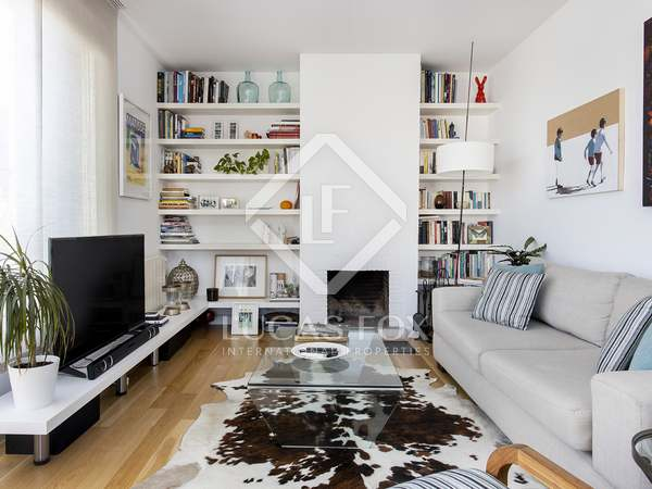 80m² Apartment with 45m² terrace for rent in Eixample Left