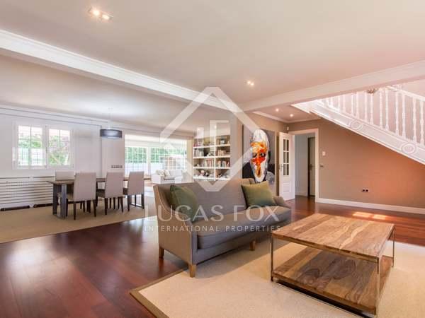 Huis / Villa van 414m² te koop met 700m² Tuin in Pozuelo