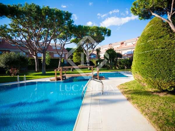 Casa de 289m² con 170m² de jardín en venta en Gavà Mar