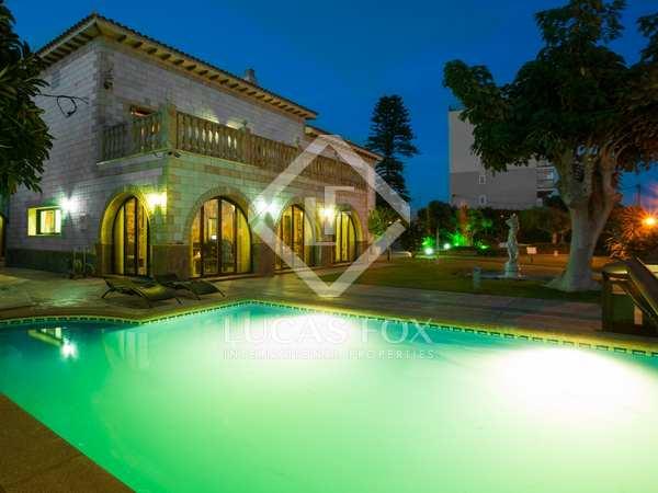 Villa frente al mar en venta, Sant Andreu de Llavaneres