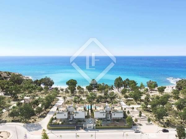 Huis / Villa van 157m² te koop met 48m² terras in El Campello