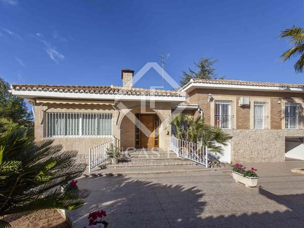 380 m² house for sale in La Eliana, Valencia