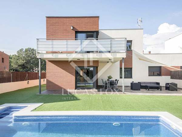 205m² Golf property for rent in Urb. de Llevant, Tarragona
