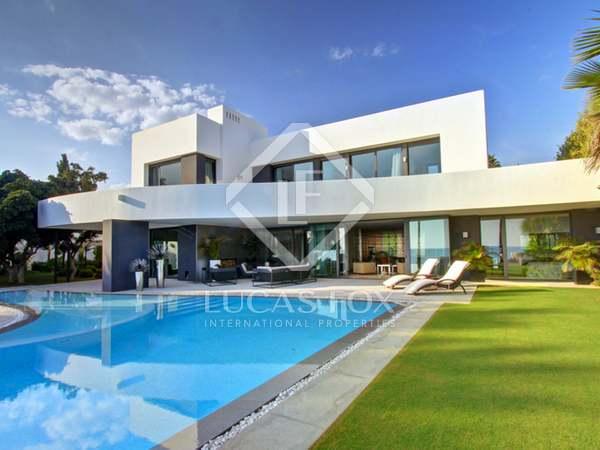 623m² Hus/Villa med 1,617m² terrass till salu i East Marbella