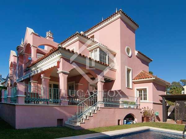 Huis / Villa van 350m² te koop met 150m² terras in Nueva Andalucía
