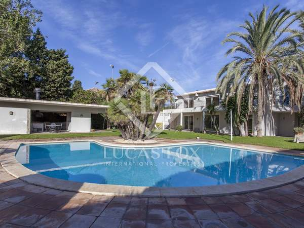 560m² House / Villa for sale in Godella / Rocafort