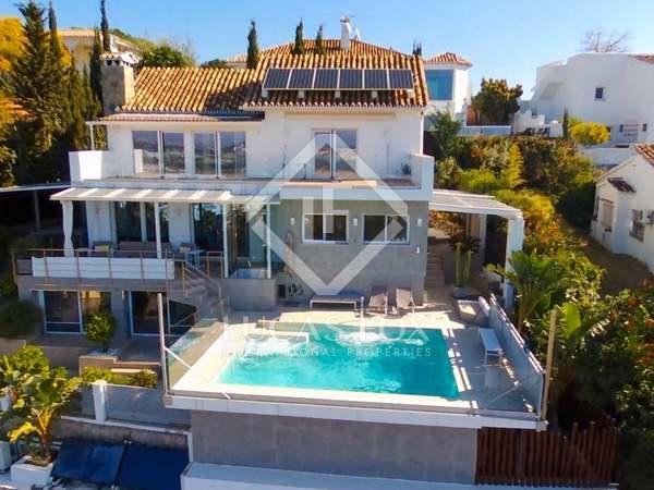 huis / villa van 328m² te koop met 445m² Tuin in Nueva Andalucía