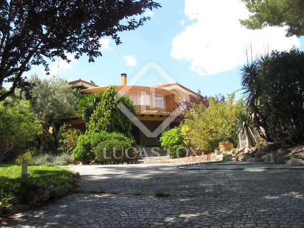 Villa with pool for rent in Campolivar, Godella