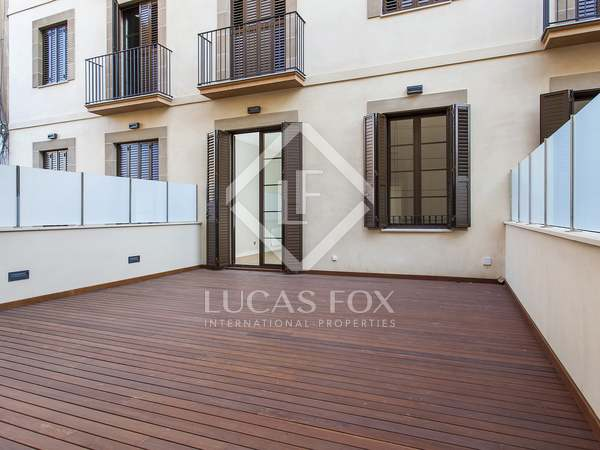 3-bedroom apartment with terrace for rent in Gothic quarter