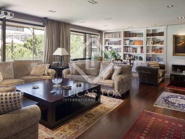 Apartamento de lujo en venta en la Zona Alta de Barcelona.