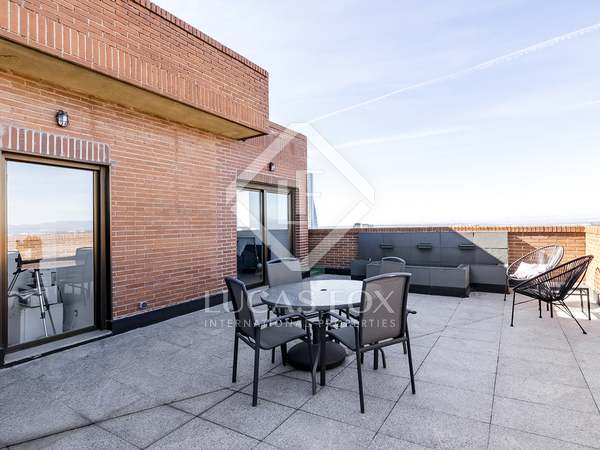 280m² Apartment with 100m² terrace for sale in El Viso