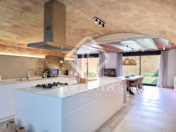 Huis / Villa van 342m² te koop in Baix Emporda, Girona