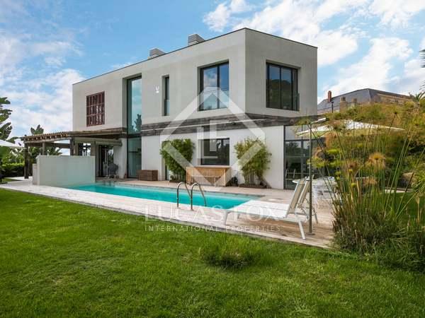 Villa de 495 m², en venta en Tiana, Maresme