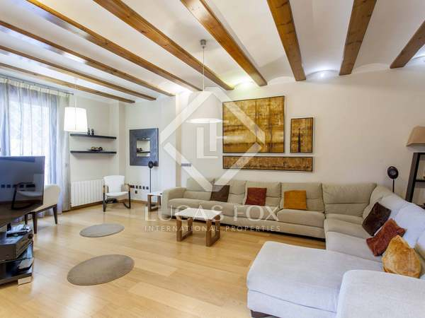 225 m² house with a 90 m² garden for sale in El Pla del Real